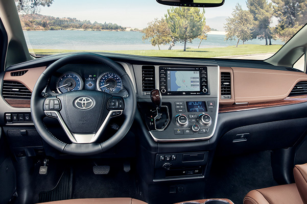 2020 Toyota Sienna Interior & Technology