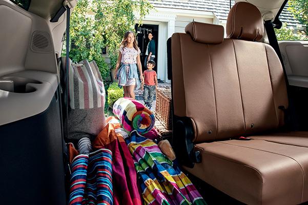 2020 Toyota Sienna Interior & Technology